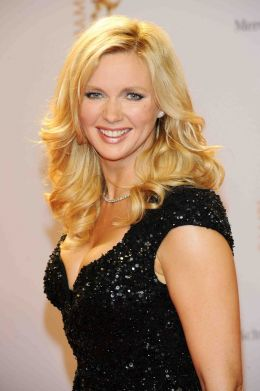 Veronica Ferres - By Office Veronica Ferres (Office Veronica Ferres) [CC BY-SA 3.0 de (http://creativecommons.org/licenses/by-sa/3.0/de/deed.en)], via Wikimedia Commons