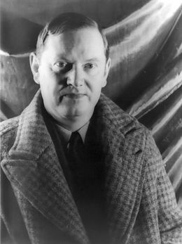 Evelyn Waugh - By Carl Van Vechten (1880–1964) [Public domain], via Wikimedia Commons