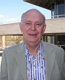 Alan Ayckbourn - By John Thaxter (Own work) [CC BY-SA 3.0 (http://creativecommons.org/licenses/by-sa/3.0) or GFDL (http://www.gnu.org/copyleft/fdl.html)], via Wikimedia Commons