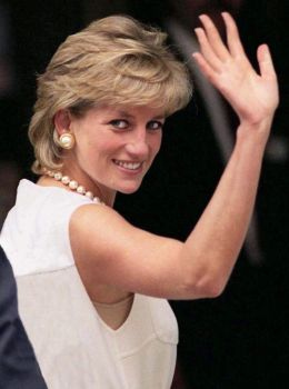 Princess of Wales Lady Diana Frances Spencer - By Gegodeju (Own work) [CC BY-SA 4.0 (http://creativecommons.org/licenses/by-sa/4.0)], via Wikimedia Commons