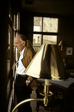 Thomas Bernhard - By Thomas.Bernhard.jpg: Thomas Bernhard Nachlaßverwaltung derivative work: Hic et nunc (This file was derived from  Thomas.Bernhard.jpg:) [CC BY-SA 3.0 de (http://creativecommons.org/licenses/by-sa/3.0/de/deed.en)], via Wikimedia Commons